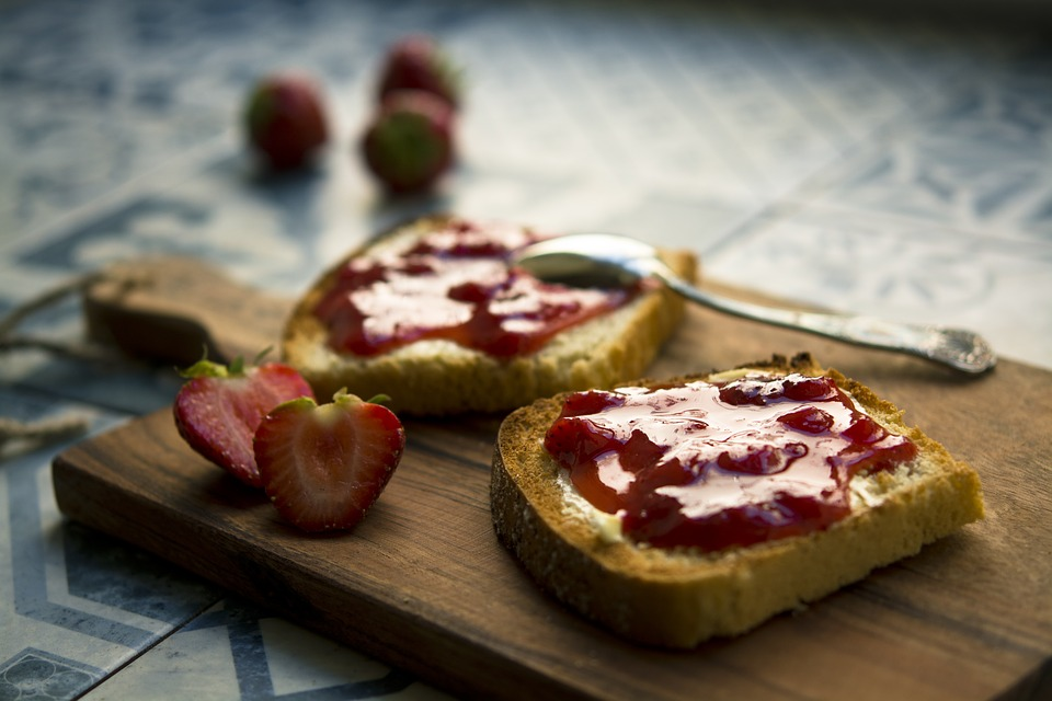 Queso para untar light Reny Picot con mermelada sin azúcar - recetas faciles