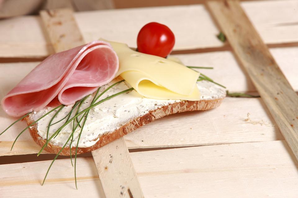 Brunch - queso de untar y loncha emmental Reny Picot