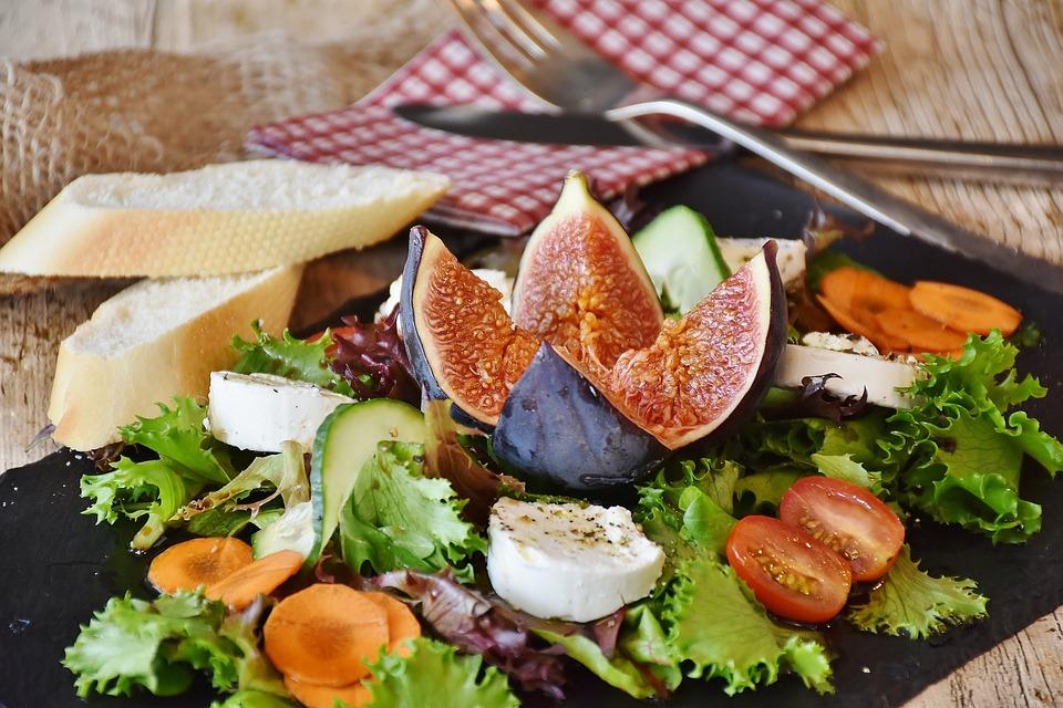 Ensalada de queso de cabra de rulo Reny Picot recetas de Ensaladas de Verano