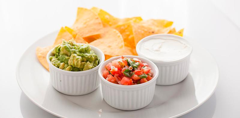 como hacer salsa de queso para nachos cheddar guacamole recetas faciles